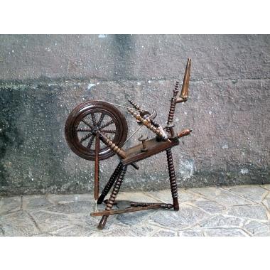 Restauro mobili Roma: L'importanza dei mobili antichi