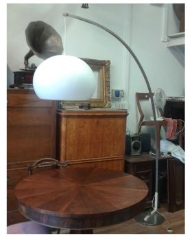 LAMPADA DA TERRA ESTENSIBILE